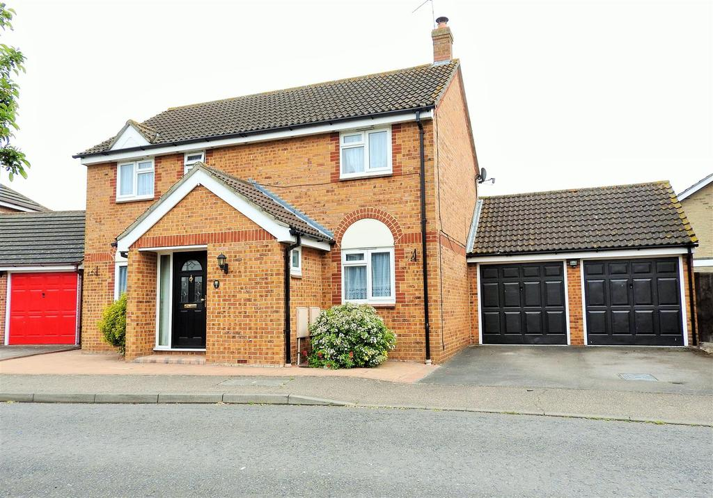 4 Bedrooms Detached House for sale in Armonde Close, Chelmsford