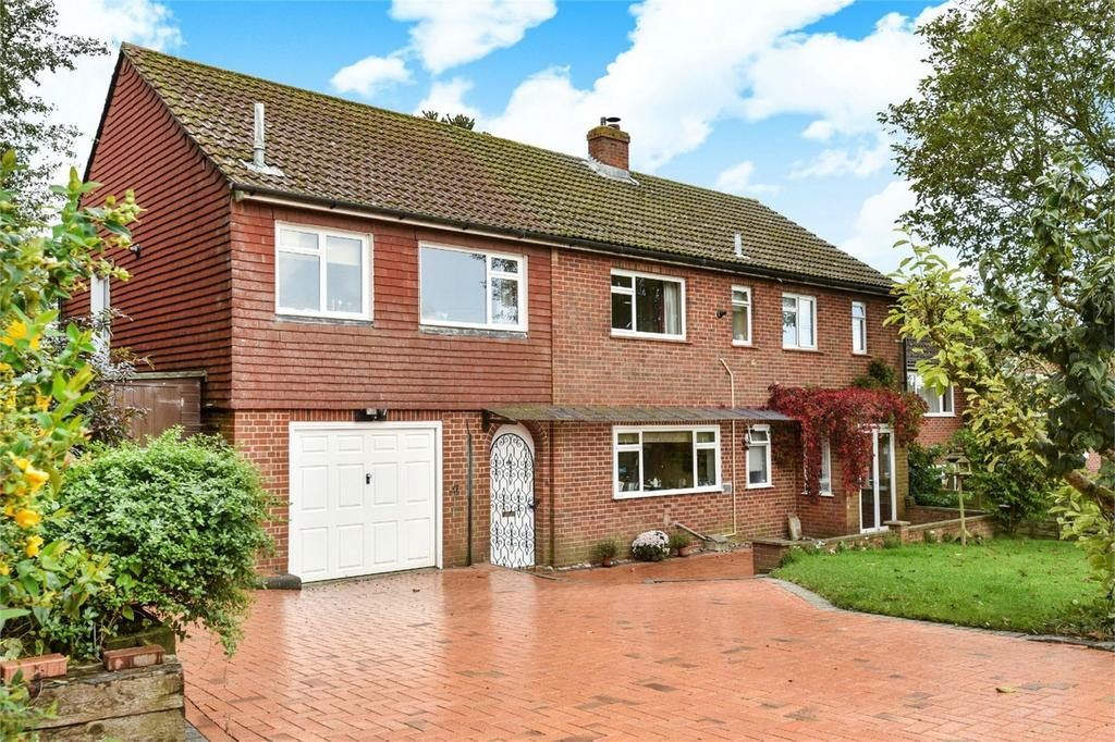 4 Bedrooms Detached House for sale in Olivers Battery, Winchester, Hampshire