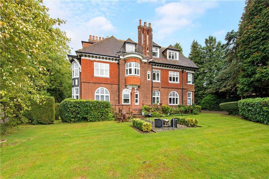 2 Bedrooms Penthouse Flat for sale in Felden Hurst, Felden Lane, Hemel Hempstead, Hertfordshire, HP3