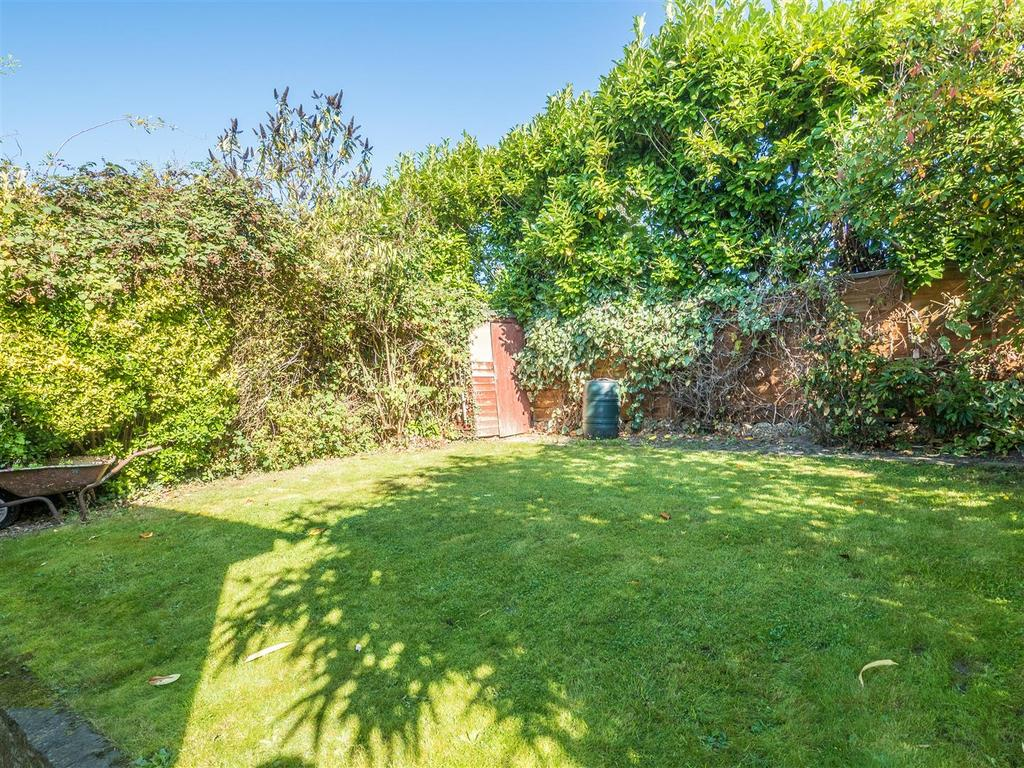 2 Bedrooms Bungalow for sale in The Grove, Bearsted, Maidstone