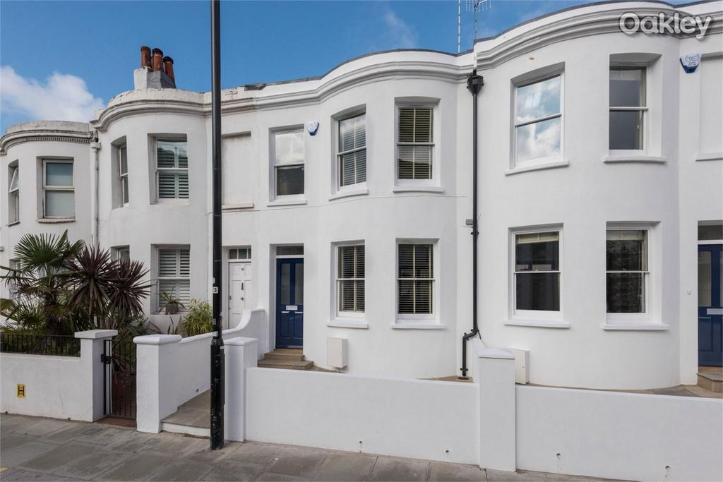 2 Bedrooms Terraced House for sale in Surrey Street, Central Brighton, East Sussex