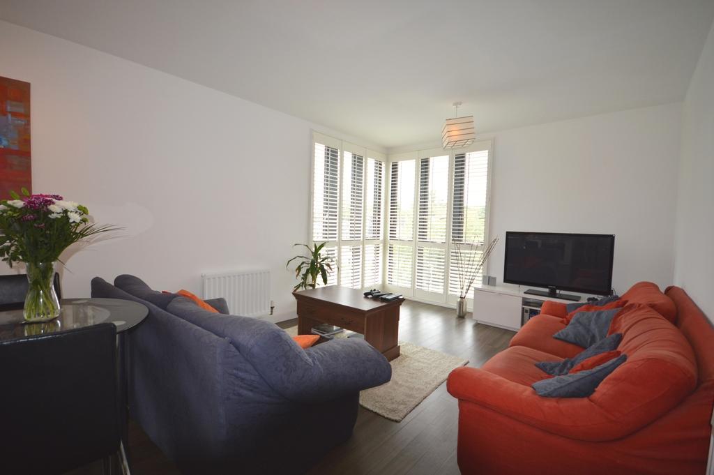 2 Bedrooms Flat for sale in Lee High Road London SE13