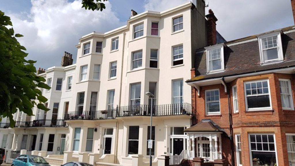2 Bedrooms Flat for sale in Compton Avenue Brighton East Sussex BN1