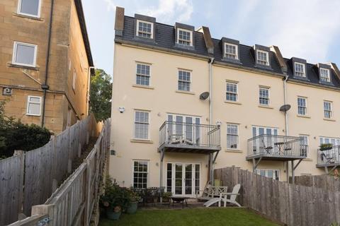 3 bedroom detached house to rent - Wellsway
