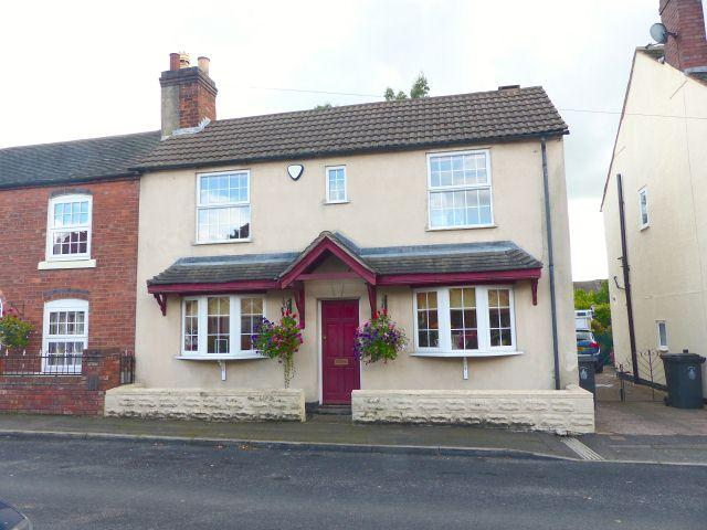 3 Bedrooms Semi Detached House for sale in Union Street,Burntwood,Staffordshire