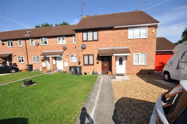 2 Bedrooms Semi Detached House for sale in Bayleaf Avenue, Swindon, Wiltshire, SN2