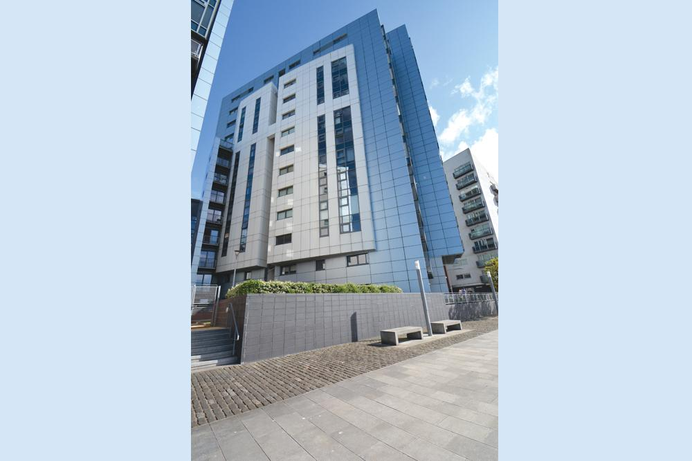 2 Bedrooms Apartment Flat for sale in 10 Castlebank Drive, Glasgow Harbour, G11 6AD