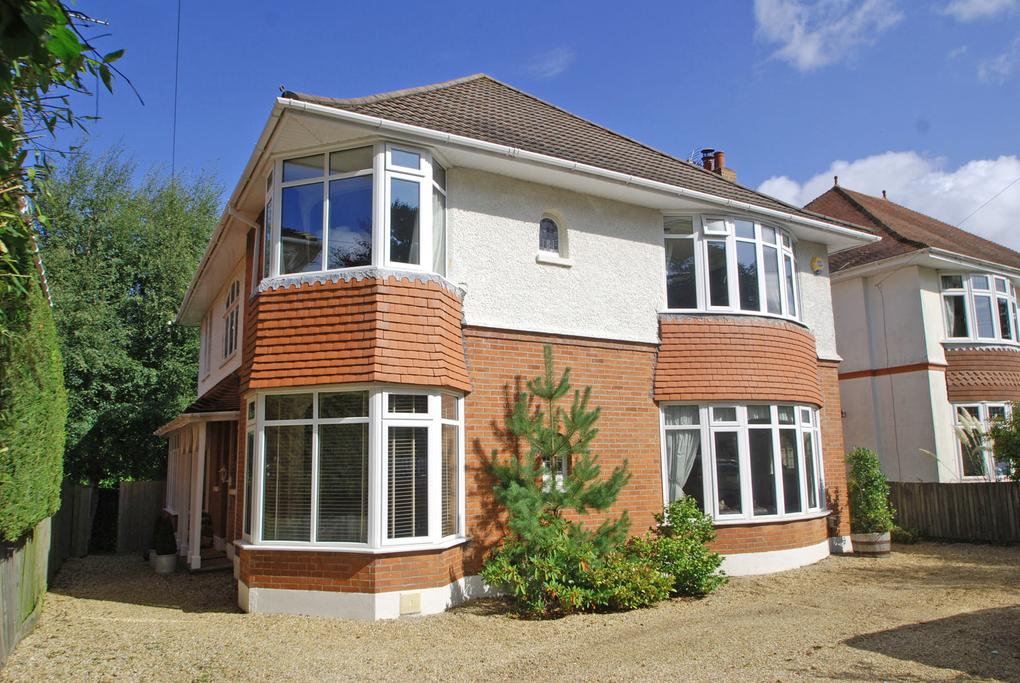 6 Bedrooms Detached House for sale in St. Albans Avenue, Queens Park, Bournemouth, BH8