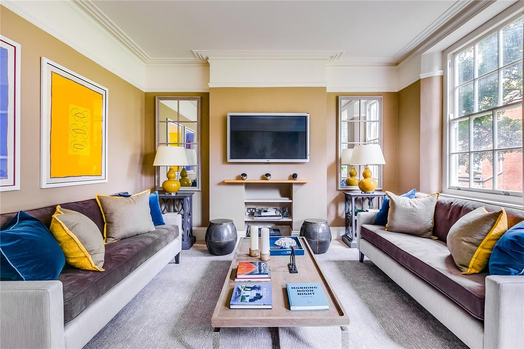 3 Bedrooms Flat for sale in Coleherne Court, Redcliffe Gardens, Chelsea