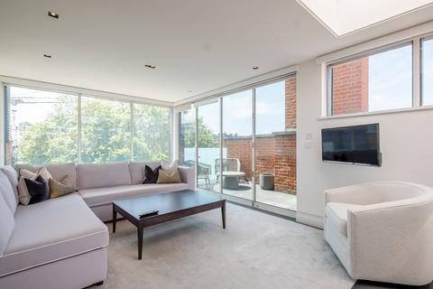 3 bedroom flat to rent - Green Street, Mayfair, London