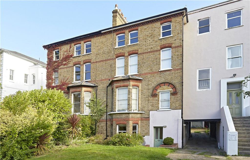 2 Bedrooms Maisonette Flat for sale in Thornton House, 18-20 Thornton Hill, London, SW19