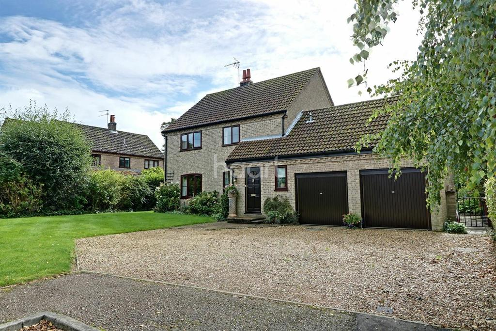4 Bedrooms Detached House for sale in Earl Warren, Croxton