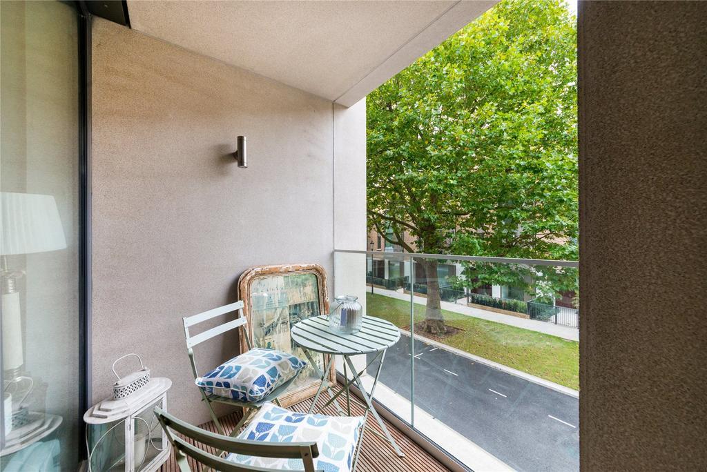 2 Bedrooms Flat for sale in Portobello Square, London, W10