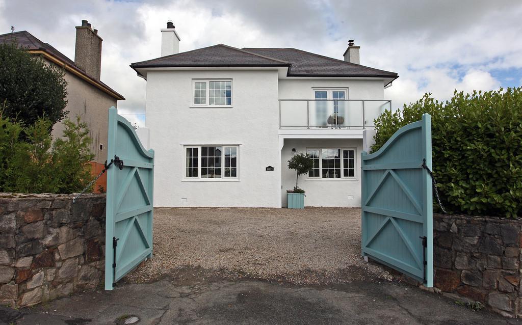 3 Bedrooms Detached House for sale in Egryn, Llanbedrog, North Wales