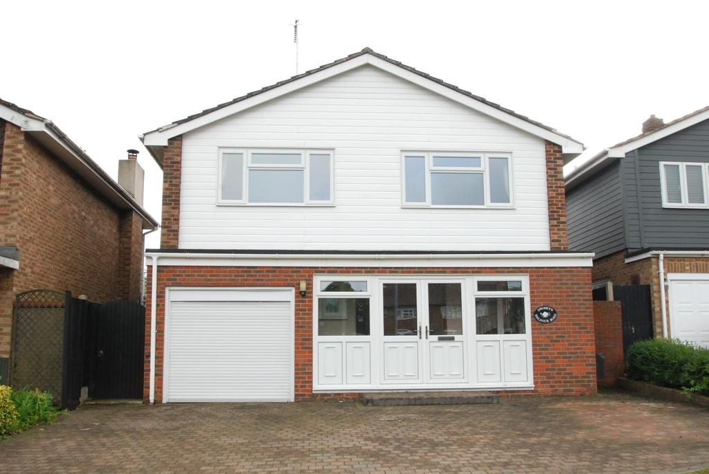 4 Bedrooms Detached House for sale in Baldock Road, Buntingford, SG9 9DL