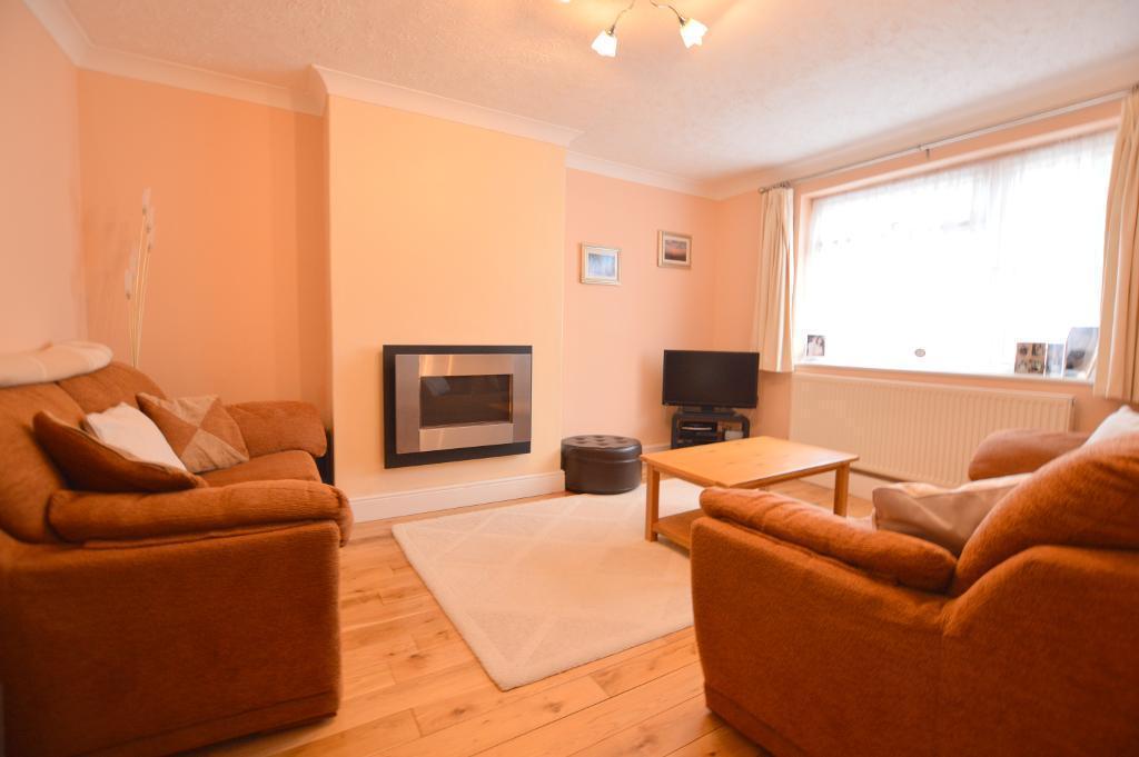 3 Bedrooms Semi Detached House for sale in Wandon Close, Putteridge, Luton, LU2 8DX