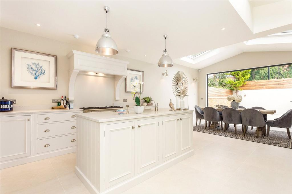 6 Bedrooms Terraced House for sale in Clonmel Road, Fulham, London, SW6