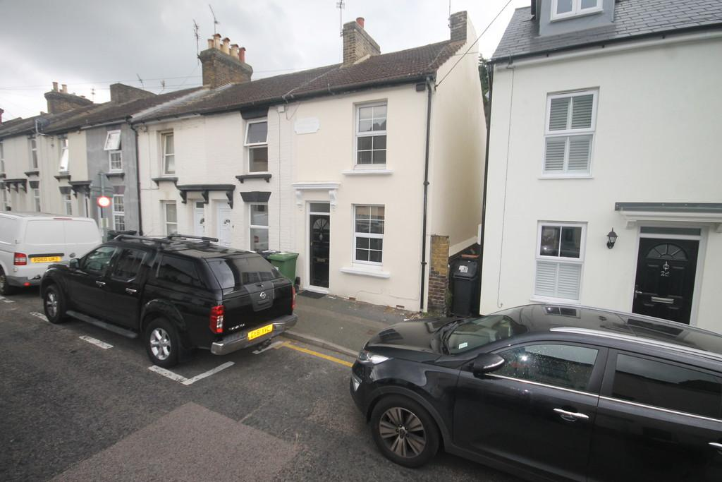 2 Bedrooms Terraced House for sale in Gladstone Road, Penenden Heath