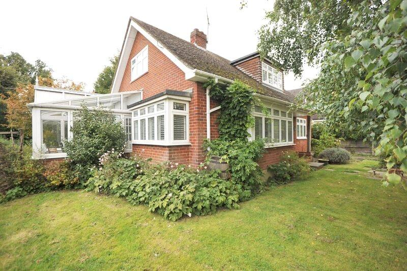 3 Bedrooms Detached House for sale in Well Lane, Stock, Ingatestone, Essex, CM4