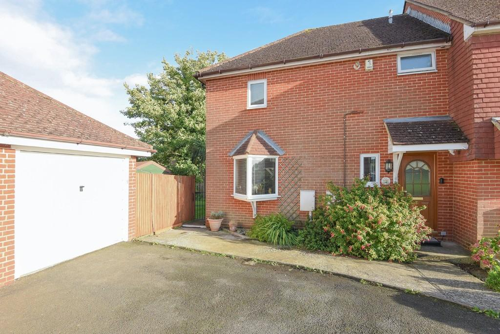 2 Bedrooms End Of Terrace House for sale in Hillcrest, Rye, East Sussex TN31 7HP