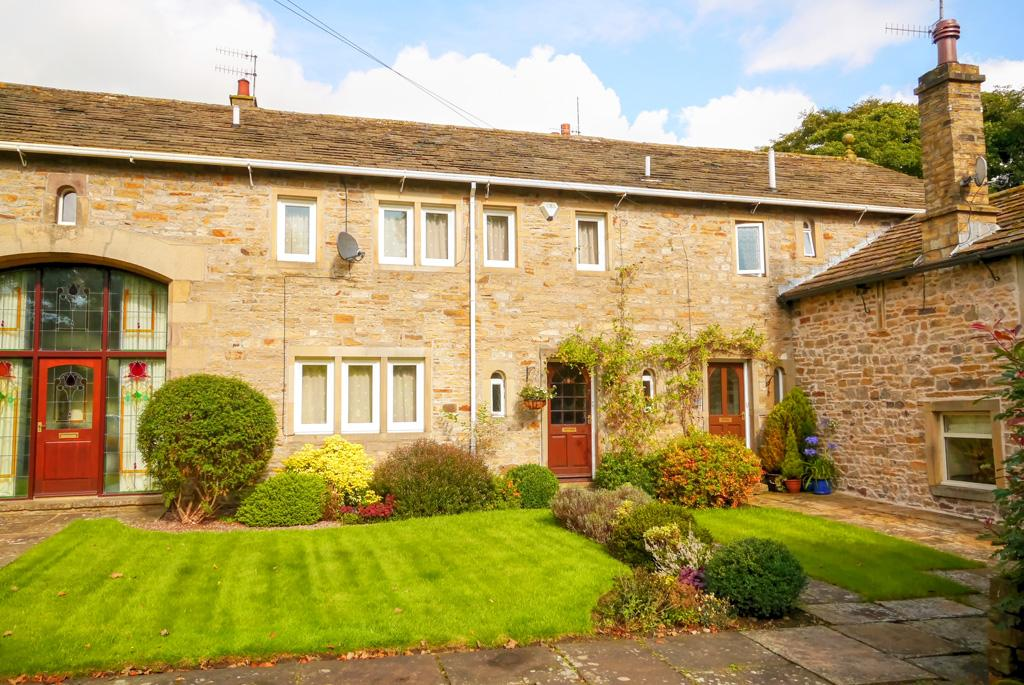 4 Bedrooms Barn Conversion Character Property for sale in 9 Aireville Grange, Skipton