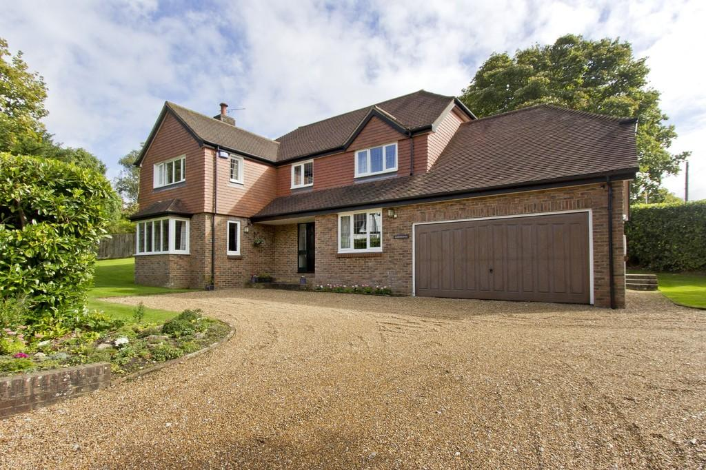 4 Bedrooms Detached House for sale in Fielden Lane, Crowborough