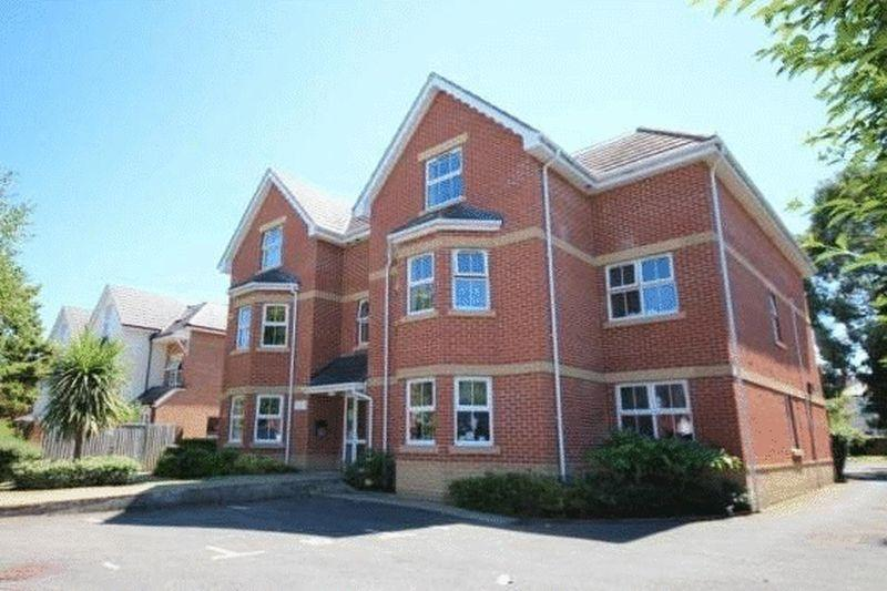 2 Bedrooms Apartment Flat for sale in Victory Court, 18 Lowther Road, Charminster, Bournemouth