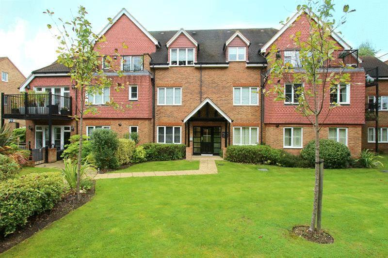 2 Bedrooms Apartment Flat for sale in White Hill Close, Caterham