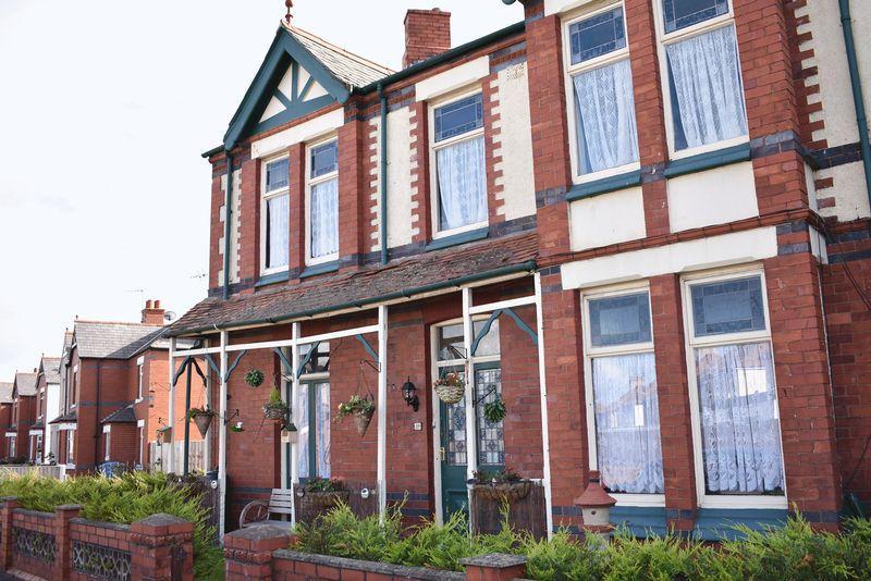 4 Bedrooms Terraced House for sale in Grange Road Rhyl