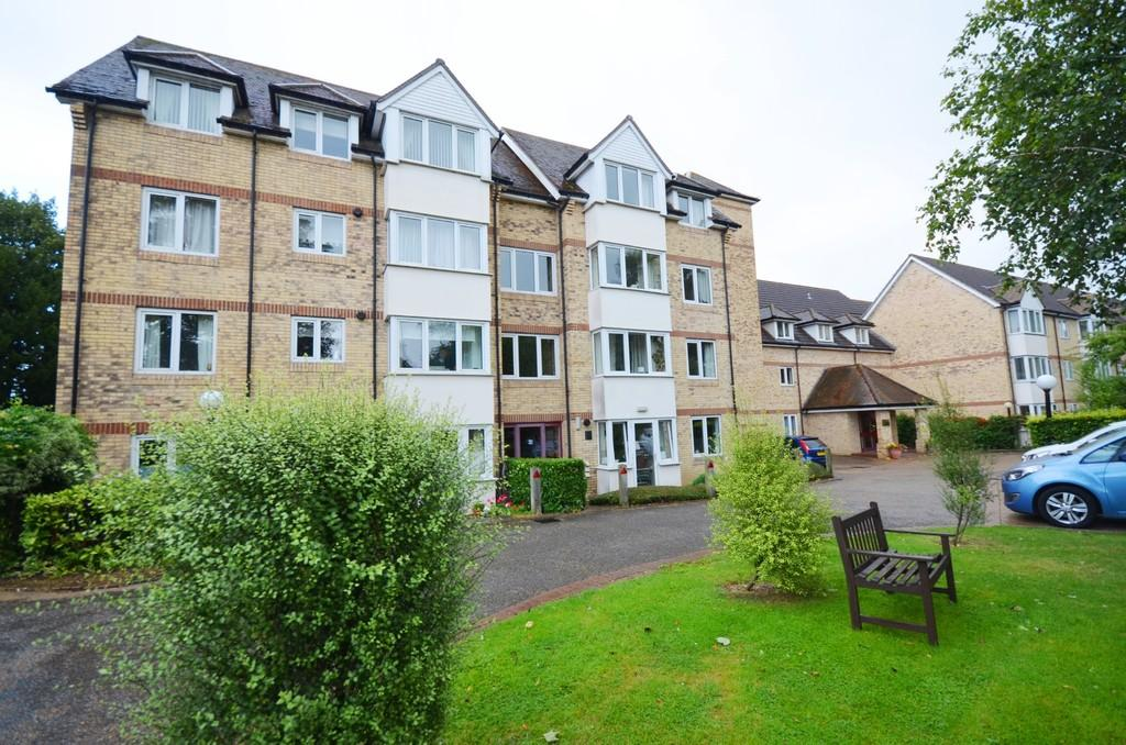 2 Bedrooms Flat for sale in Foster Court, Witham, CM8 2TQ