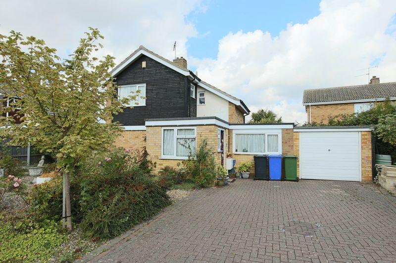 4 Bedrooms Detached House for sale in Rowan Way, Lowestoft