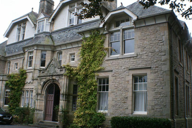 3 Bedrooms Apartment Flat for rent in Storey Hall, Ashton Rd