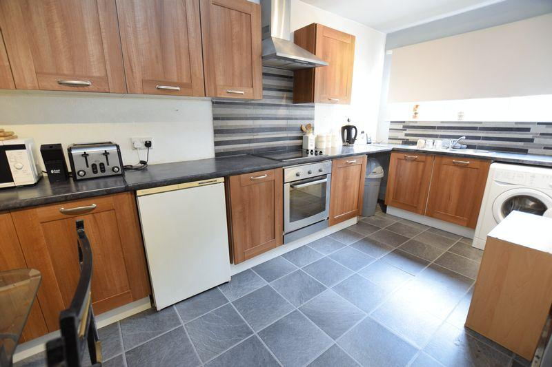 3 Bedrooms Terraced House for sale in Reynolds Close, Flanderwell