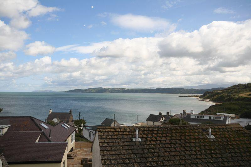 2 Bedrooms Apartment Flat for sale in Benllech, Anglesey