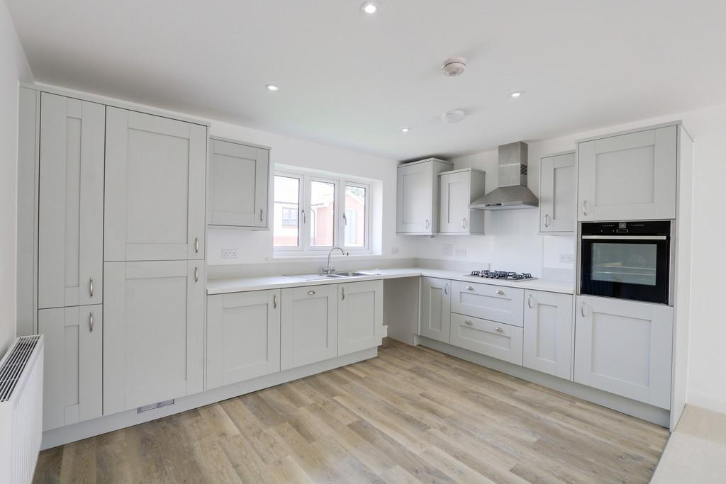 3 Bedrooms Detached Bungalow for sale in The Beech, Westclyst, Exeter