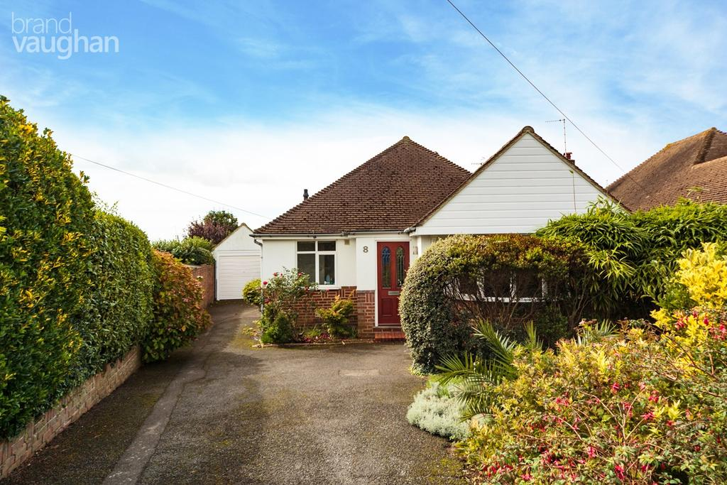 3 Bedrooms Detached Bungalow for sale in Windmill Close, Hove, BN3