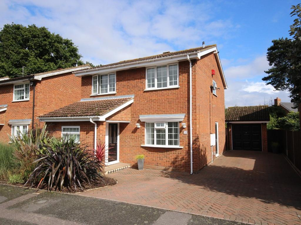 4 Bedrooms Detached House for sale in The Croft, Flitwick, MK45