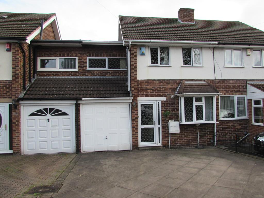 3 Bedrooms Semi Detached House for sale in Barrows Lane, Birmingham