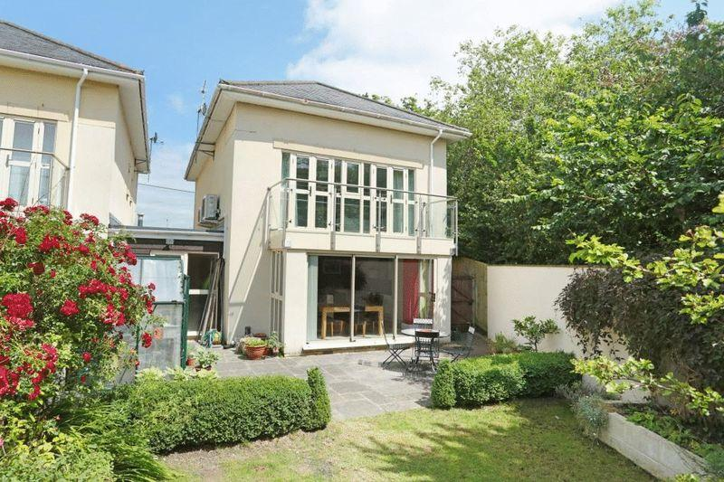 4 Bedrooms Detached House for sale in The Crescent, Corsham