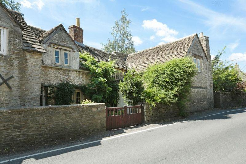2 Bedrooms Terraced House for sale in Linleys, Corsham