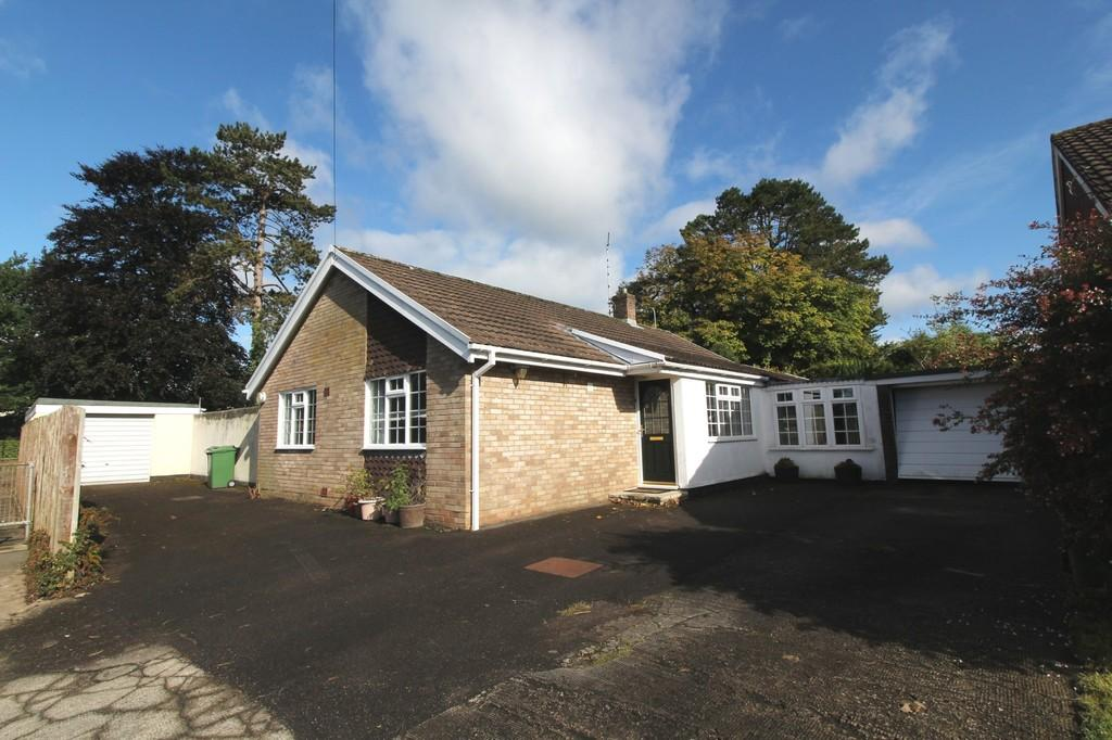 3 Bedrooms Detached Bungalow for sale in 62 Parc Castell-y-mynach