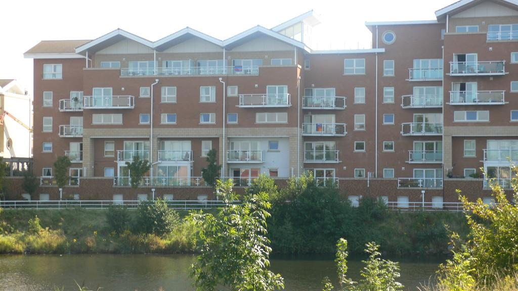 2 Bedrooms Apartment Flat for sale in Florence House, Judkin Court, Cardiff Bay