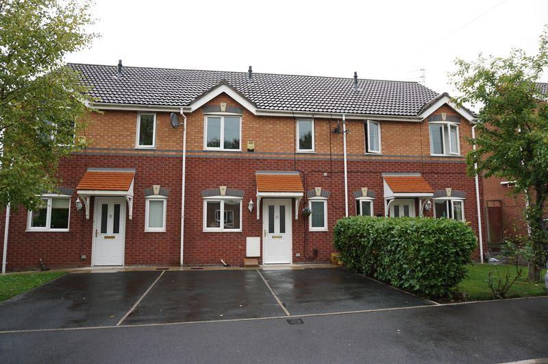 3 Bedrooms Terraced House for sale in Bexhill Road, Stockport