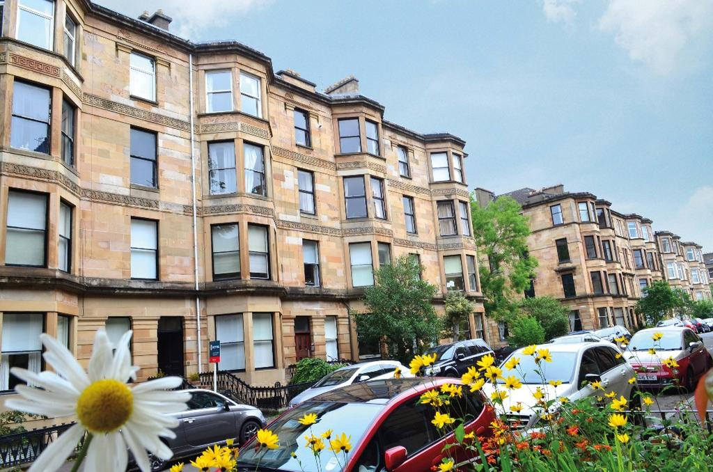 3 Bedrooms Flat for sale in Clouston Street, Flat 3/3, North Kelvinside, Glasgow, G20 8QX