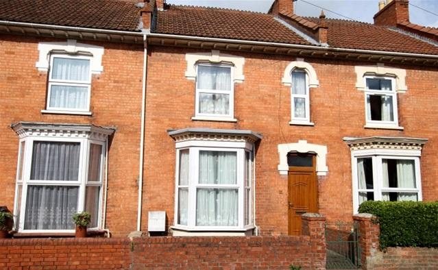 3 Bedrooms Terraced House for sale in Camden Road, Bridgwater