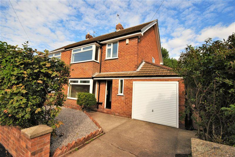3 Bedrooms Semi Detached House for sale in Knutsford Road, Moreton