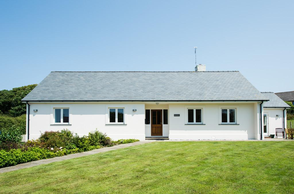 4 Bedrooms Detached Bungalow for sale in Goat Street, St Davids