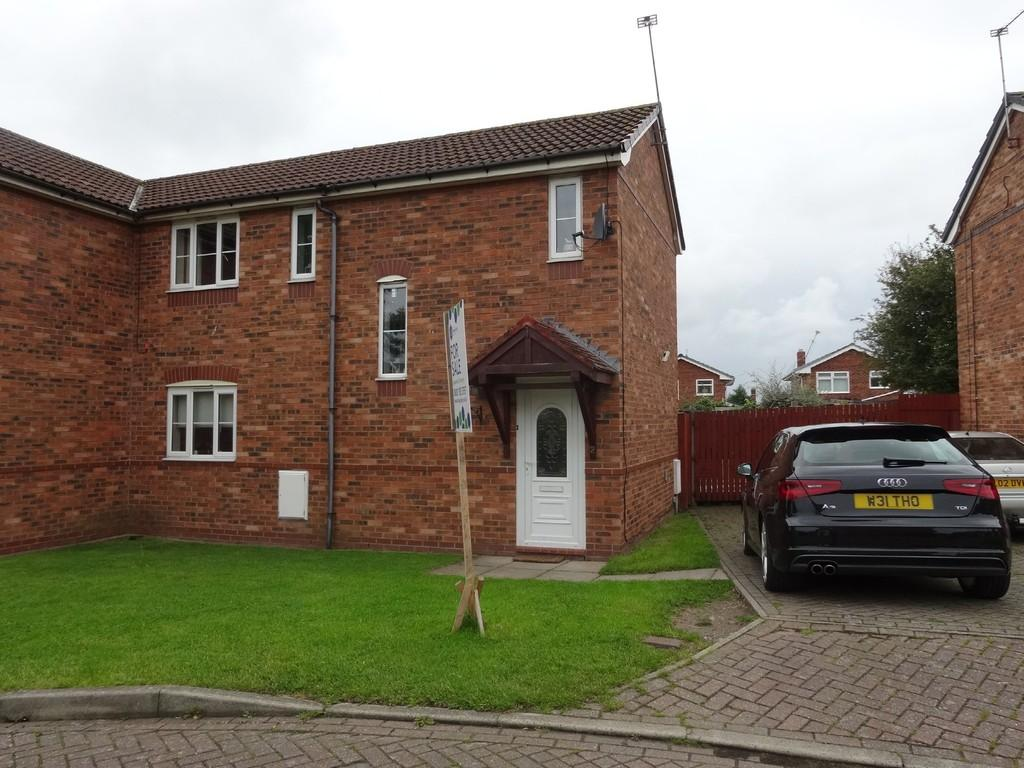 2 Bedrooms Semi Detached House for sale in Rhodfa Plas Coed, Rhyl