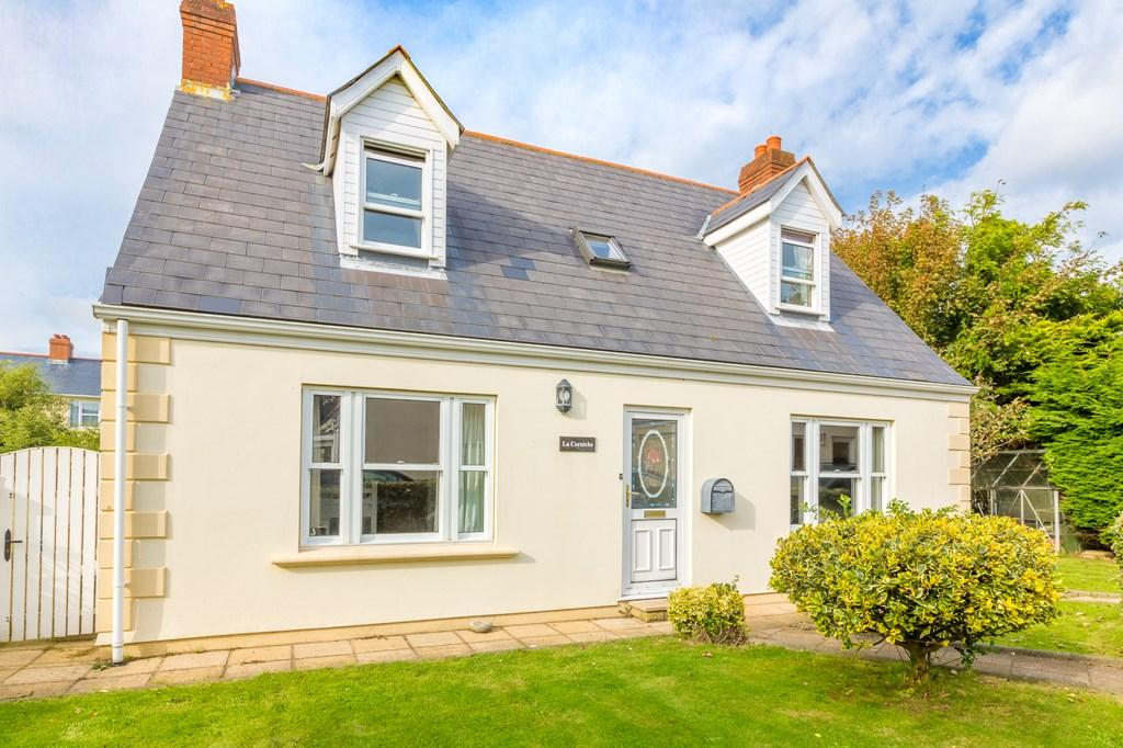 4 Bedrooms Detached House for sale in La Mine Doree, St. Andrew, Guernsey