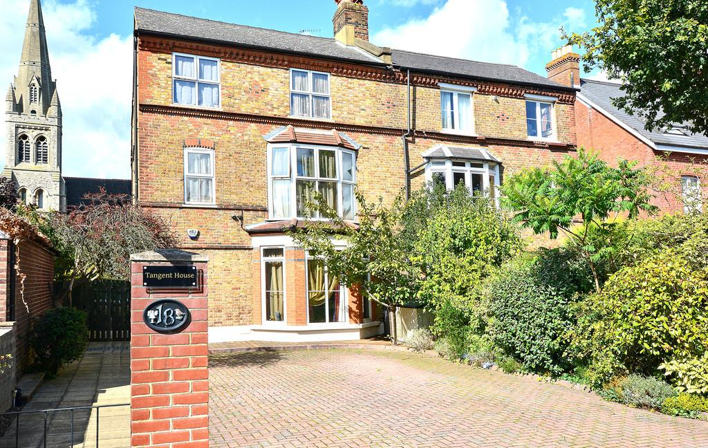 7 Bedrooms Semi Detached House for sale in Ditton Road, Surbiton